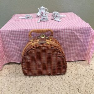 Wicker Picnic Basket with Ceramic Dishes